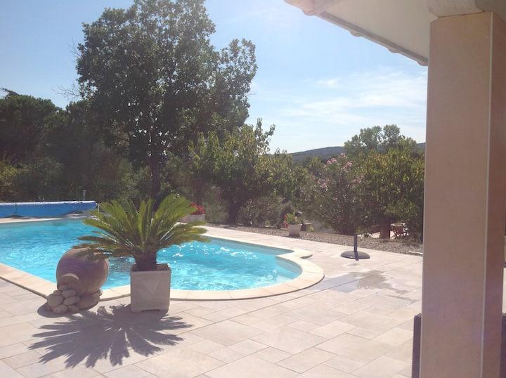 Pool house avec piscine chauffée