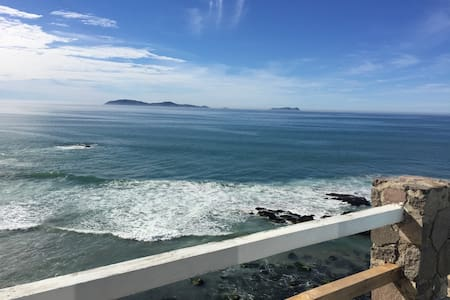 Large OCEANFRONT VILLA  - Amazing Views - Rosarito