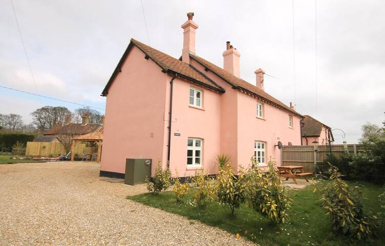 Mallows, 14 Egmere Wells Cottages, Walsingham - Egmere, Walsingham - บ้าน