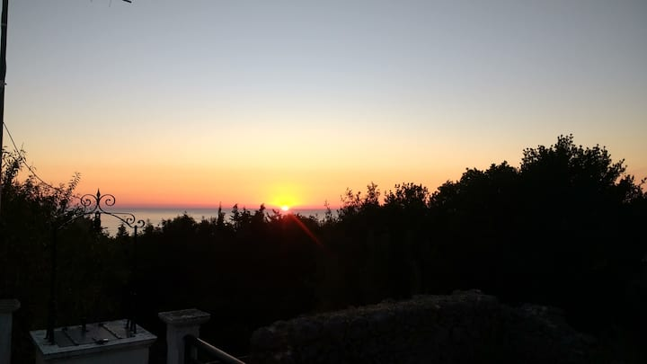 Amazing Sunset Traditional Cottage near Fiscardo