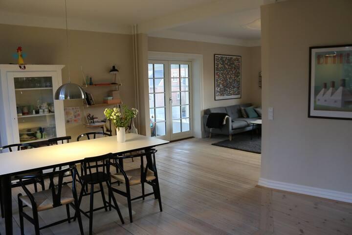 Charmerende villa i midtbyen - Viborg - House