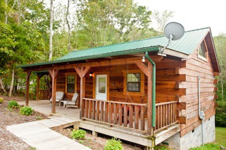 Tellico Cabins, Cowboy cabin with hot tub. - Tellico Plains