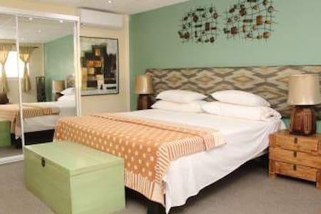 Villa Bora Apartment 2 - Cole Bay - Daire