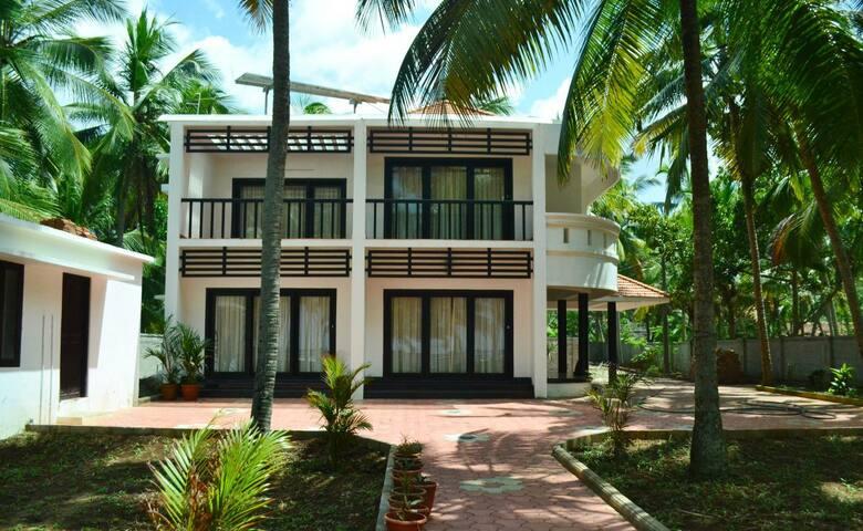 Beach House Home Stay in Trivandrum FF1 - Thiruvananthapuram - Huis