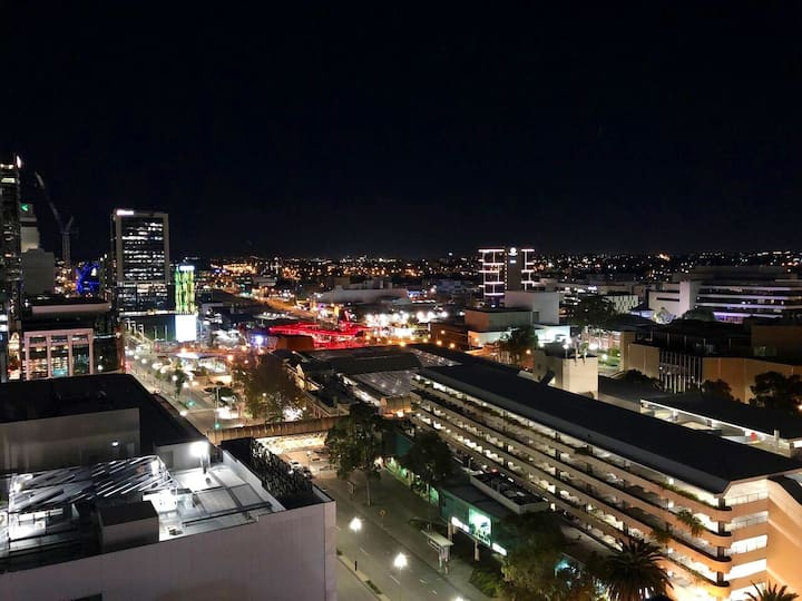 Cheaper & nicer than many hotels-Perth's best area
