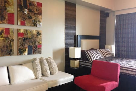 Fab studio with a golf course view - Taguig