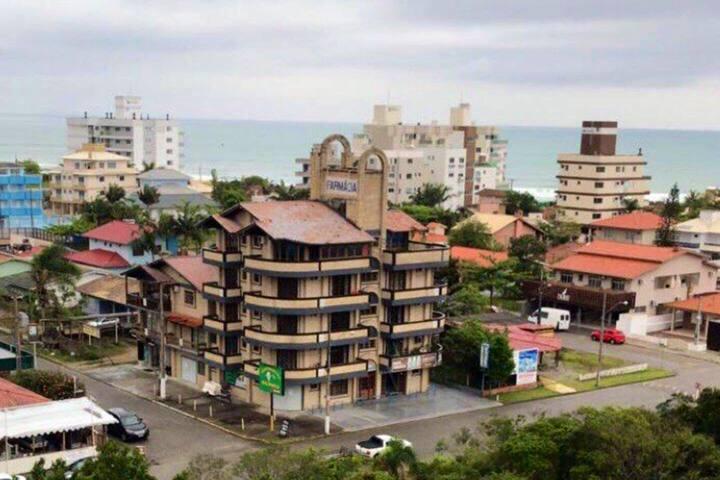 Apto completo a 150m da Praia de Palmas/SC
