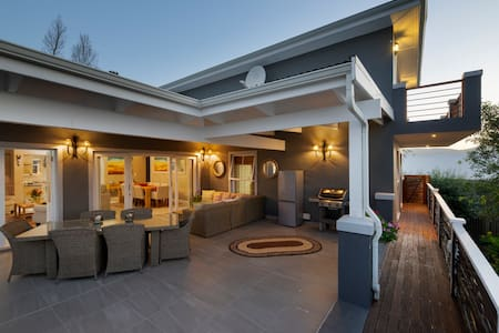 Knysna Lux Eco Lodge with views
