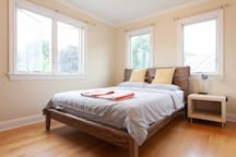 Private bedroom in Glen Cove Fit for 2 people