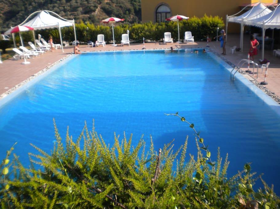 piscina zona comune
