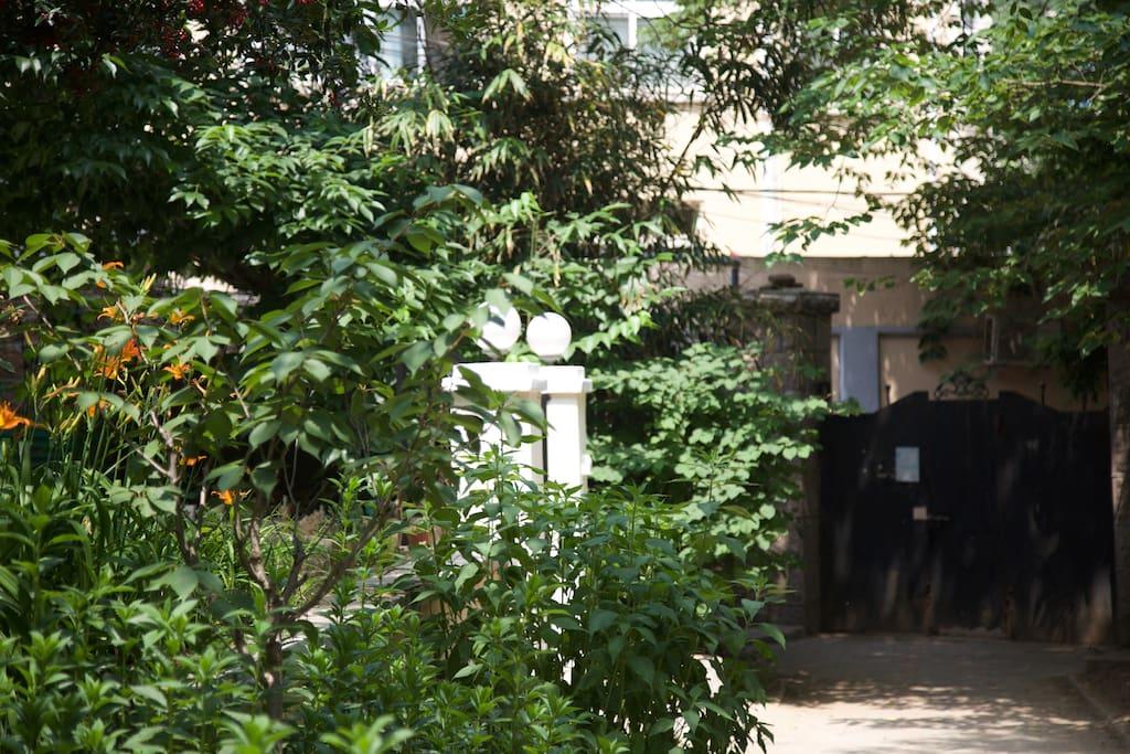 位于海边的法式建筑,曾经的法国领事馆