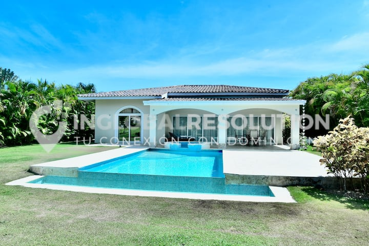 Villa with spectacular views of the Cocotal Golf Course. Playa Bavaro