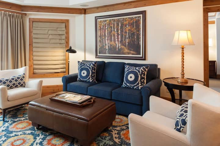 Willows 302: luxury two bedroom – premier location Vail Village