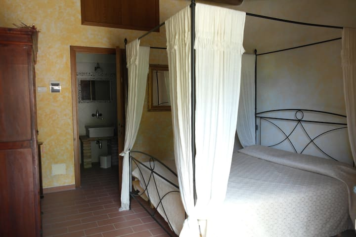 Camera Baldacchino