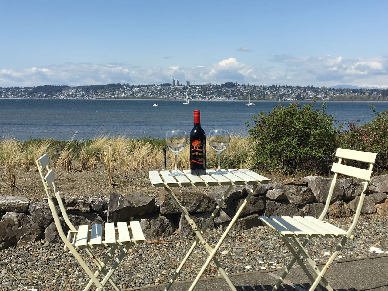 Time to relax!  Large outdoor patio on ocean. Amazing views & sunsets. 20 steps to beach, walking or biking trails. Launch your kayak at high tide right from Condo.  2 minute walk to Semiahmoo Resort Hotel, Spa, Marina, Restaurants, Pool, Health Club.