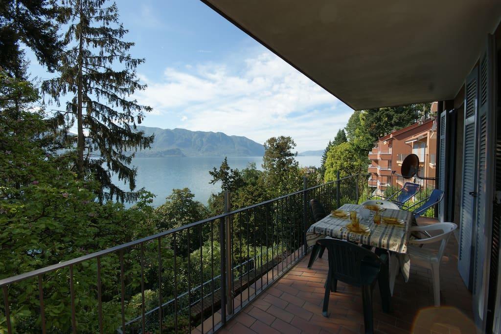 terrazzo con vista lago