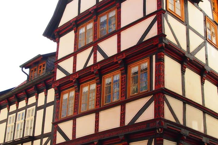 Wohnen im Fachwerk von 1632 - Zentrum Quedlinburg - Quedlinburg - Huoneisto