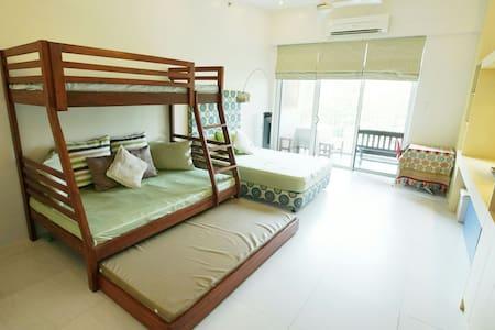 PICO DE LORO BEACH 1BR CONDO - Nasugbu - Apartment