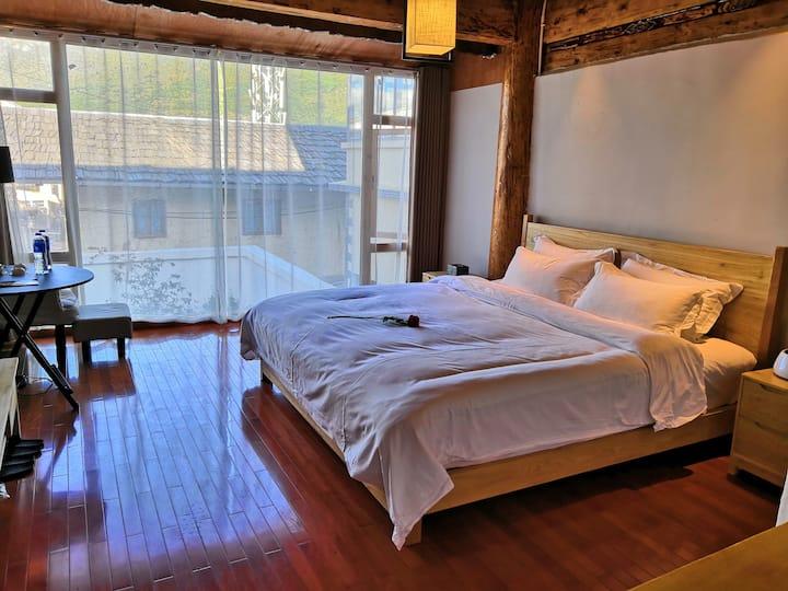 藏式豪华大床房