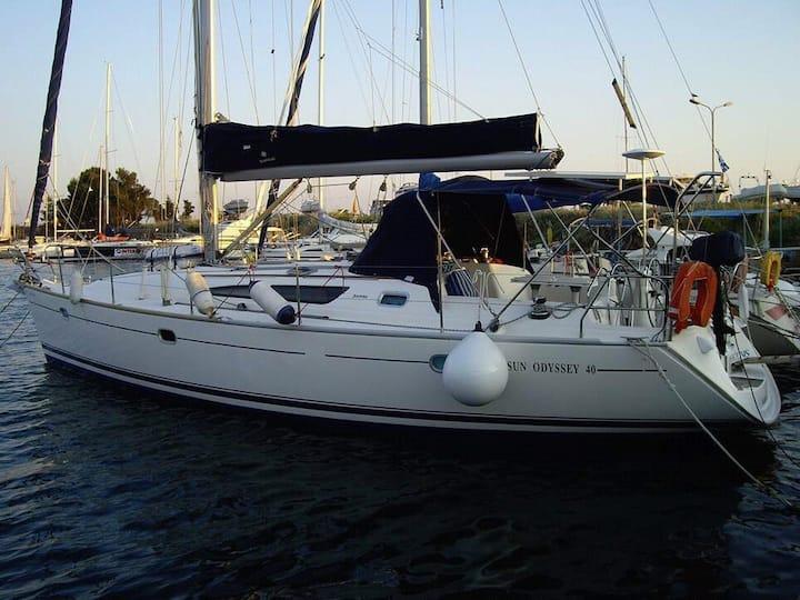 Sailing yacht Suncruise Sun Odyssey