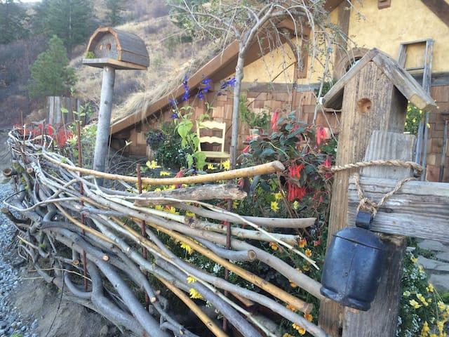 Wattle fence & gate.