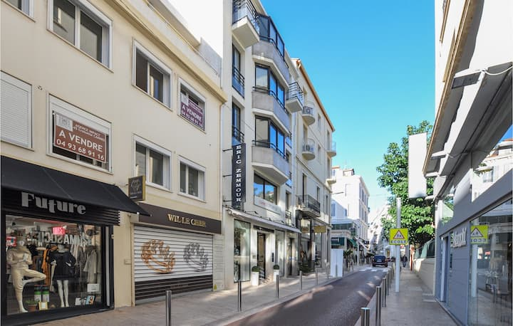 Holiday apartment with 1 bedroom on 50m² in Cannes