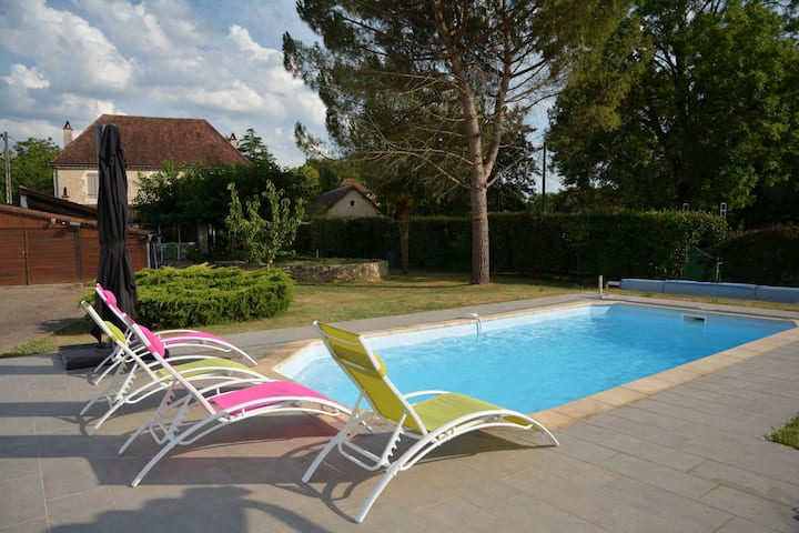 Quiet guest house near the Dordogne valley