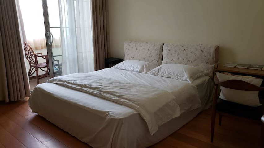 南卧室 弗洛拉 1.8米大床