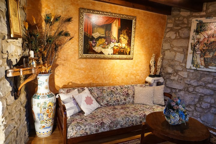 Exclusive apartment in historic village of Emilia