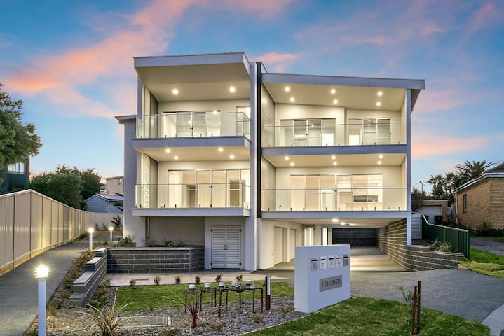 Shellharbour Village Luxury Beachside Escape