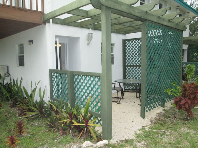 STUDIO for TWO  on BEST BEACH on EXUMA - Exuma - Daire