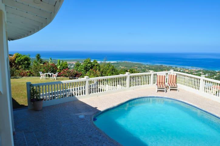 Villa Belvedere- Iron shore