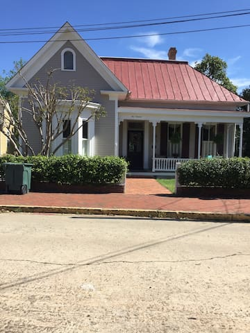1019 Bond St Apartment - Macon - 公寓