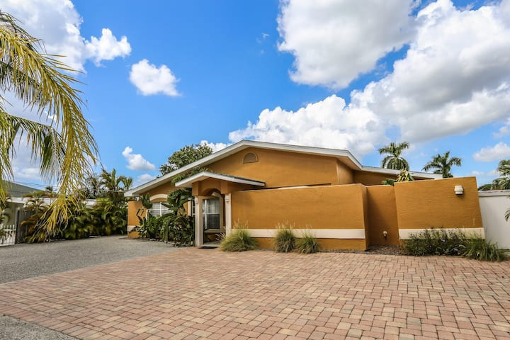 4 bedroom, 2 bath home on canal with heated pool