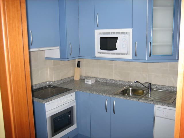 APARTAMENT0 NUEVO A 50 M. DE LAPLAYA BARRO-LLANES - Barro - Apartamento