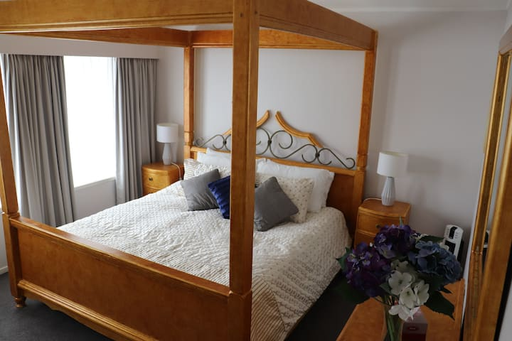 2 Bedrooms (King and Queen) with private Bathroom