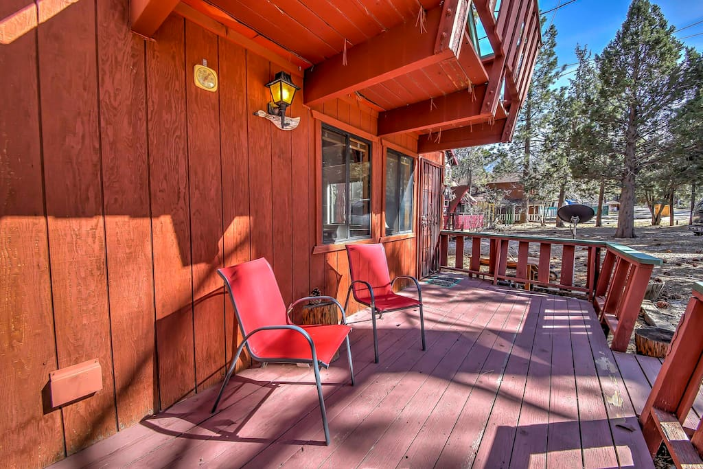 Spend mornings relaxing on the back patio while sipping your coffee or tea.