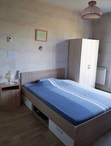 Maison individuelle sur 1600 m² de terrain fermé