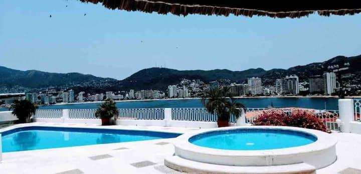 Hermosa villa en Brisas guitarrón Acapulco