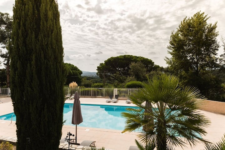 Apartment for 8 in 3* residence - 65 m² - Grimaud