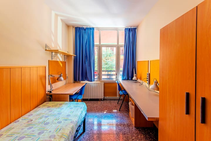 Affordable Private rooms