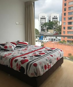 9th floor one bedroom apartment in the Cable area