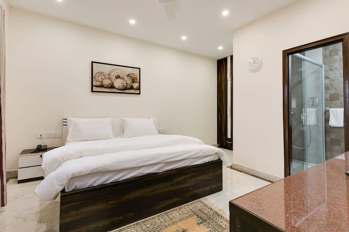 Luxurious room+Private Entrance,Rooftop,Noiseless