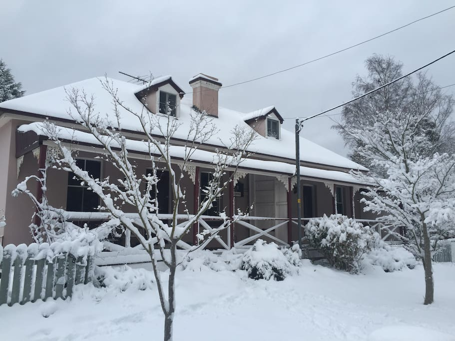 Winter at Blue Mountains Cottage