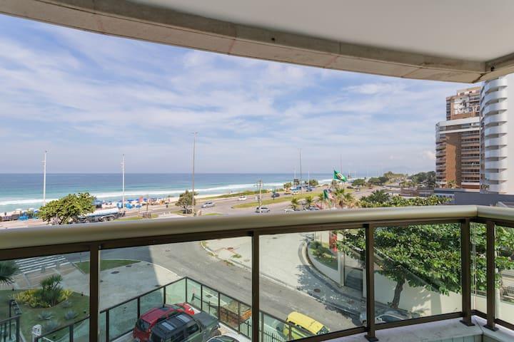 Apartamento de frente para a praia
