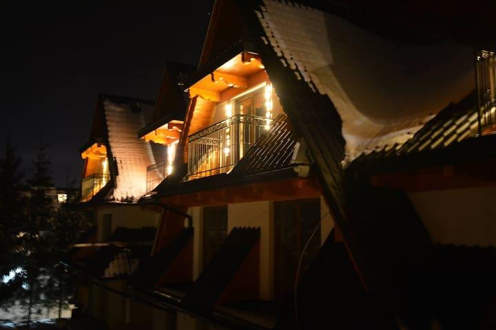 Luksusowy pokój z balkonem u podnóża Tatr - Murzasichle - Vila
