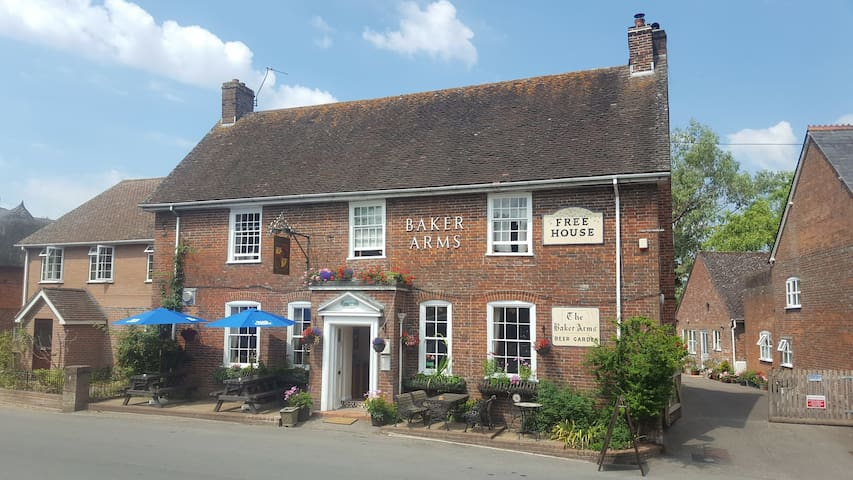 Daisy Cottage at The Baker Arms.