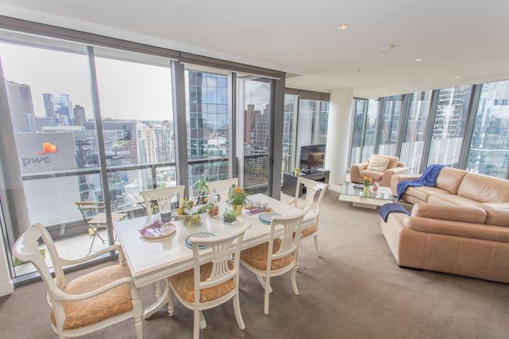 Luxury Master Room w Stunning River View - MODERN