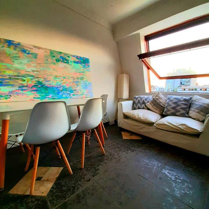 Small Room in Metro Colon