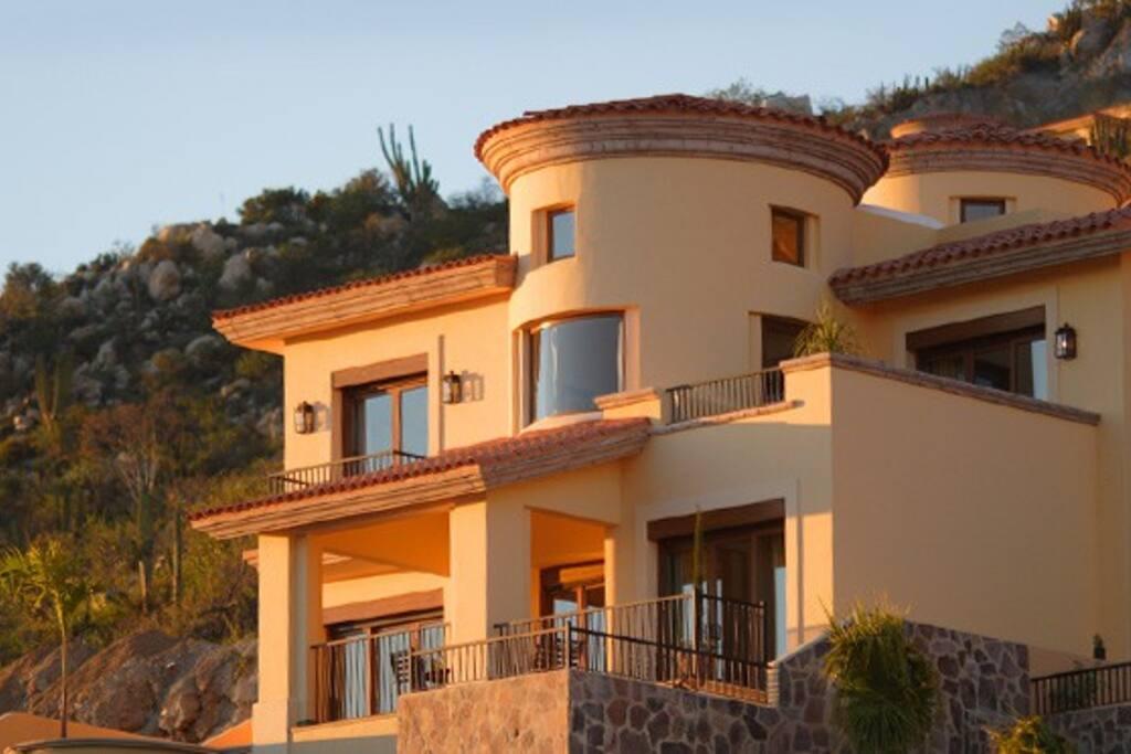 Mountaintop Villa - Phase 1